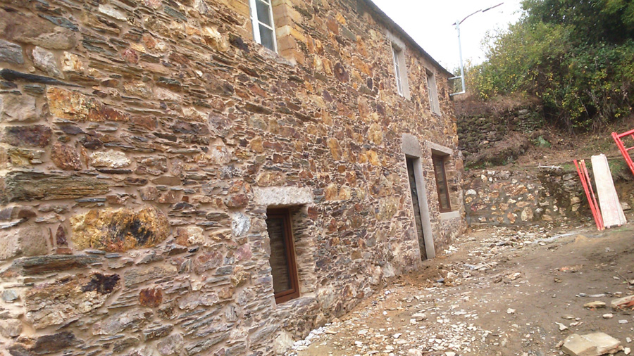 Restauraci n de casa antigua de piedra rehabilitaciones - Restaurar casas antiguas ...