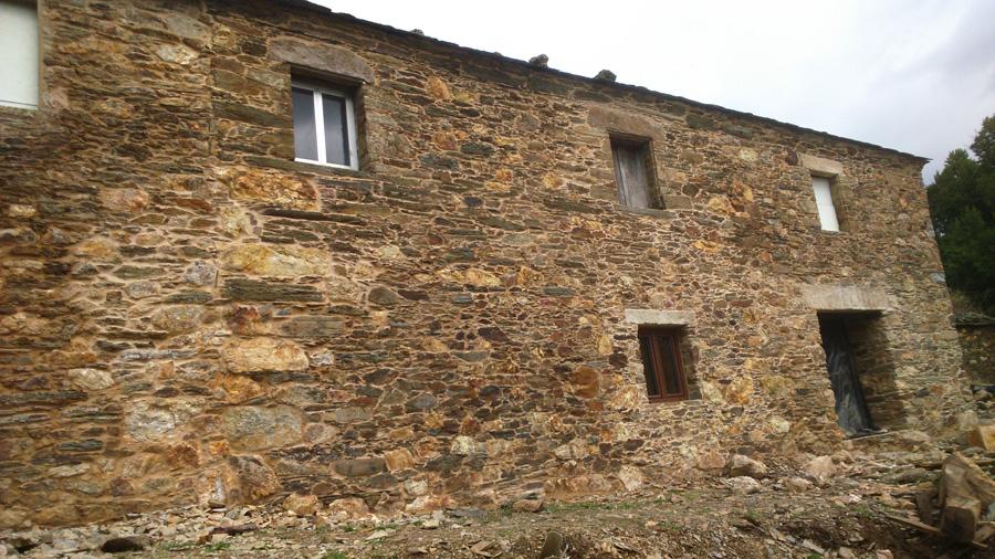 restauración de casa de piedra