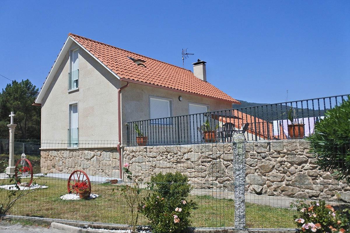 Rehabilitación de vivienda unifamiliar con granito país